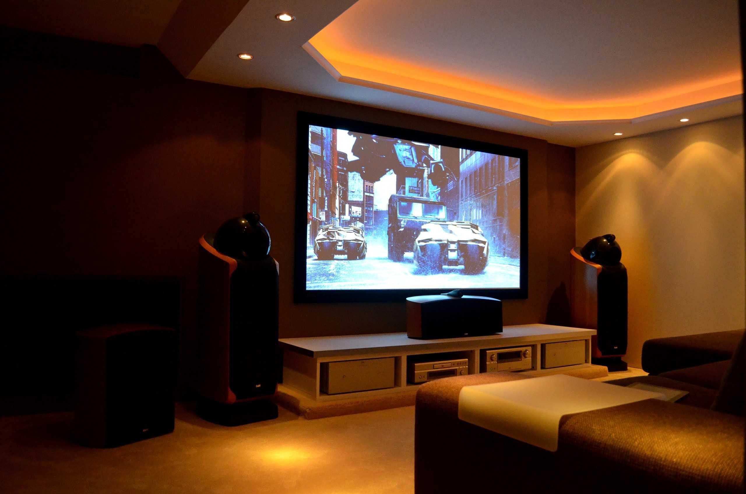Какой выбрать проектор для домашнего кинотеатра: все самое главное, что нужно знать!