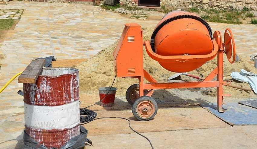 Чтобы правильно выбрать бетономешалку для работы на даче или же для домашнего участка прочитайте статью до конца Советы экспертов к вниманию читателя