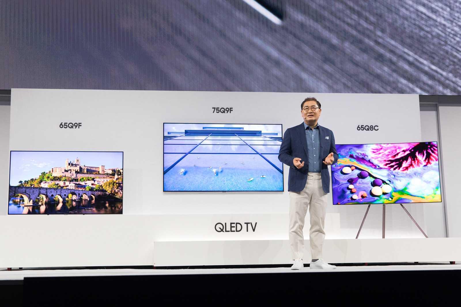 В россии вышел гигантский 8к-телевизор lg по цене хорошего автомобиля. видео