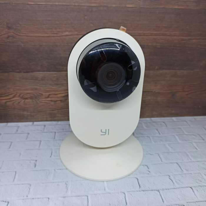Новая IP-камера серии YI Home Camera 1080P уже в продаже Новинка стоит всего 25 долларов Гаджет обладает компактными размерами и модулем который позволяет снимать FHD