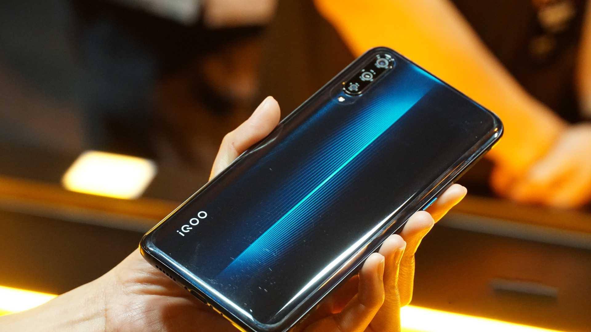 Рейтинг лучших смартфонов vivo 2020 (декабрь).