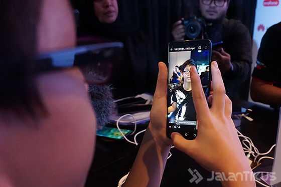 Что не так со смартфонами huawei mate 20 pro? разобрались подробно