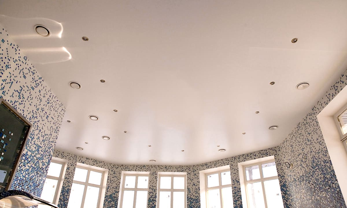 Прочитайте лично в статье как правильно выбирать натяжной потолок Вы узнаете о том какой вариант является лучшим на рынке