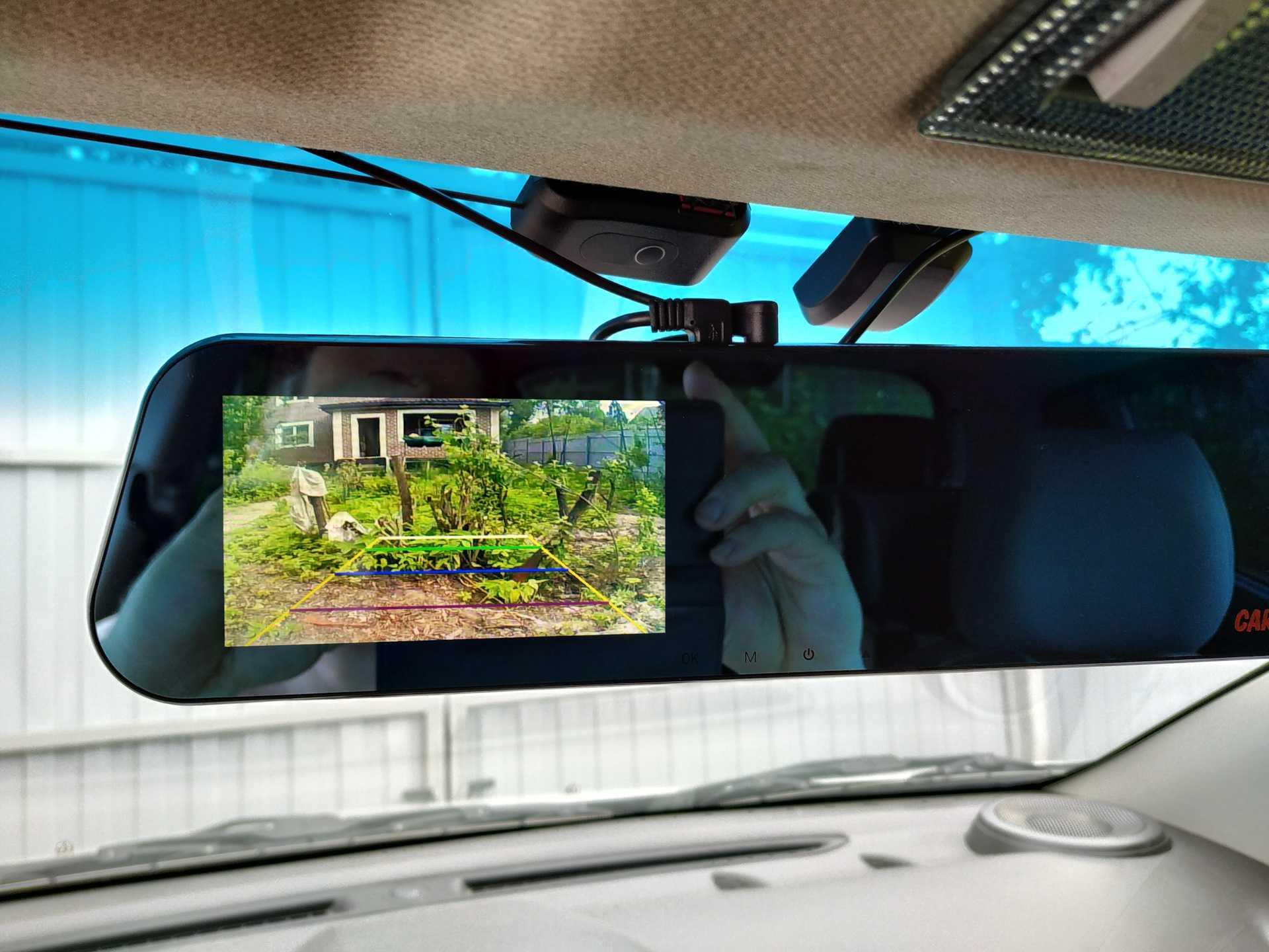 В продаже появился новый долгожданный видеорегистратор серии JADO D350S Речь идет о бюджетной модели стоимость которой варьируется от 60 до 100 долларов в зависимости