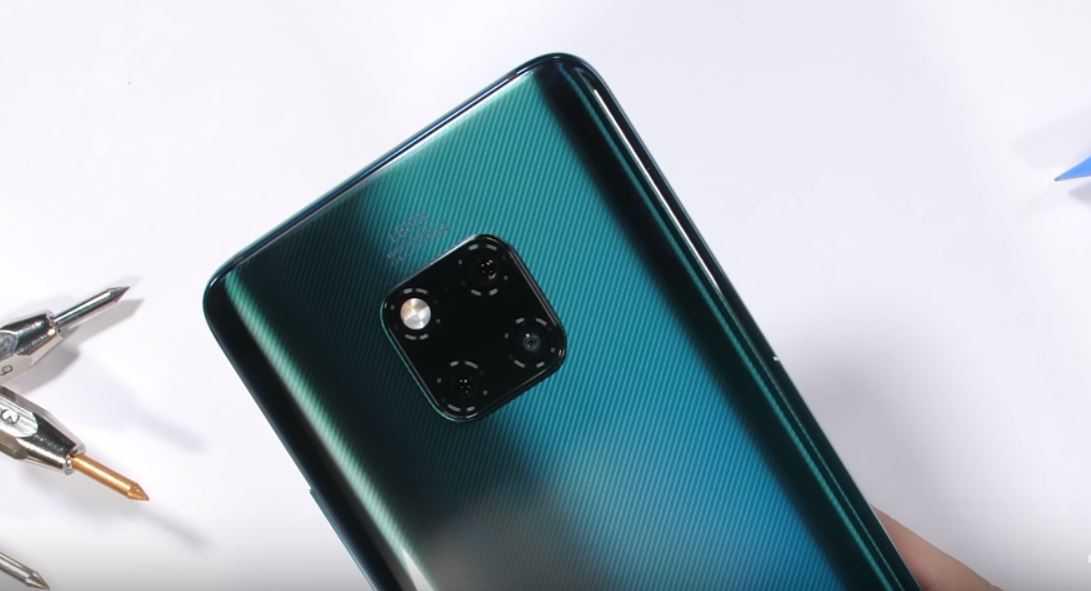 Флагманский смартфон Huawei Mate 30 Pro успевший получить первую позицию в рейтинге лучших камерофонов проверили на прочность авторы YouTube-каналаJerryRigEverything