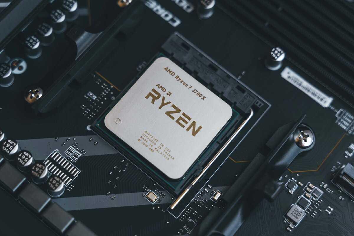 9 апреля во вторник компания AMD представила дополнение к линейке своих чипов AMD – мобильные процессоры AMD Ryzen второго поколения По официальным данным обновленные