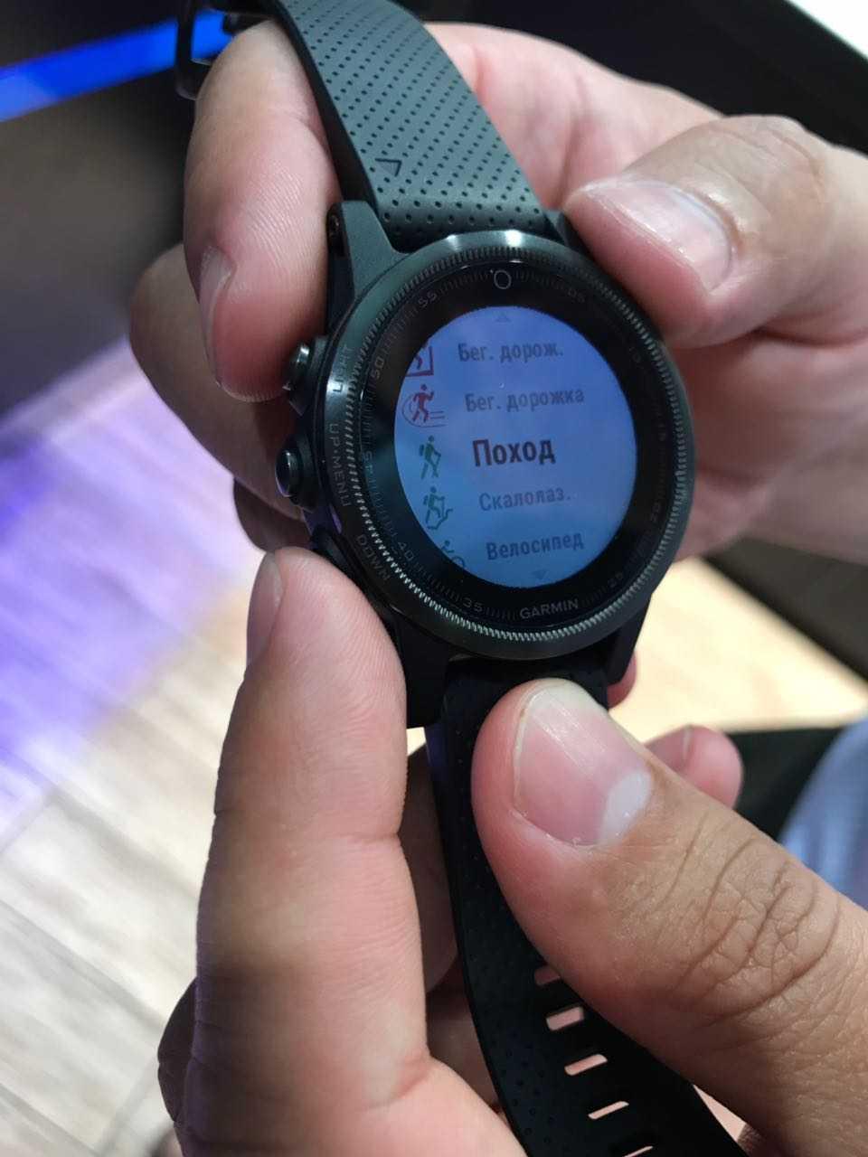 Garmin solar: смарт-часы с увеличенным временем работы благодаря подзарядке от солнца