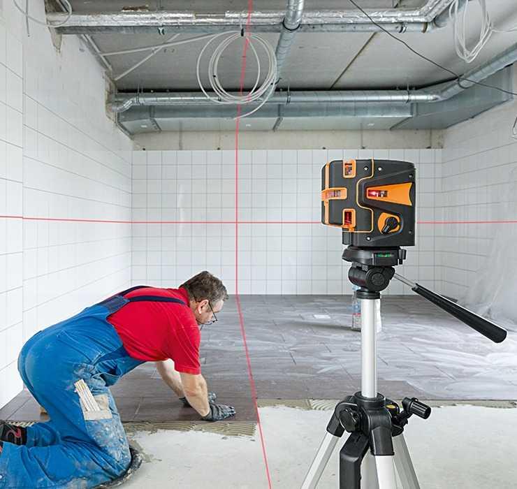 Лазерный уровень – инструмент предназначенный для построения плоскостей В сфере строительства данный прибор называют – нивелир При этом изобретение заменившее