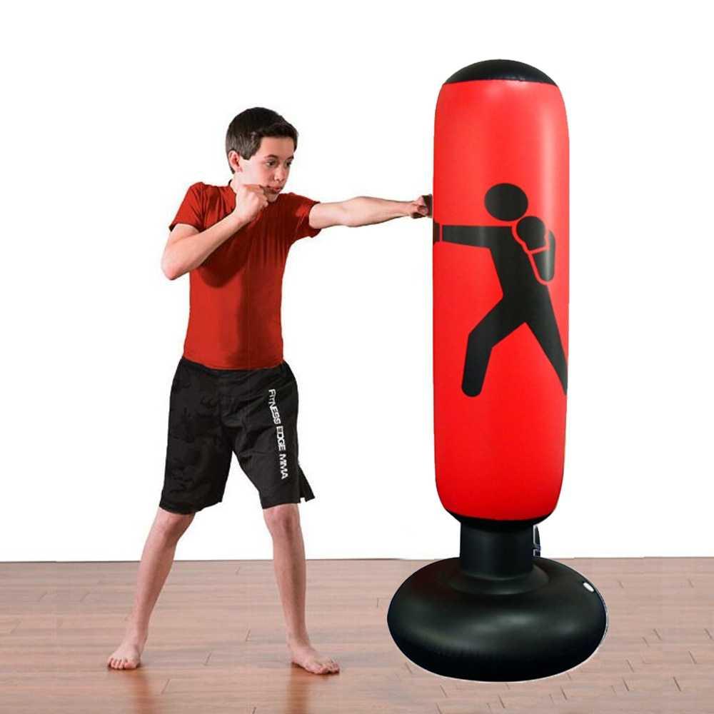 Отработка ударов на груше - работа на боксерском мешке