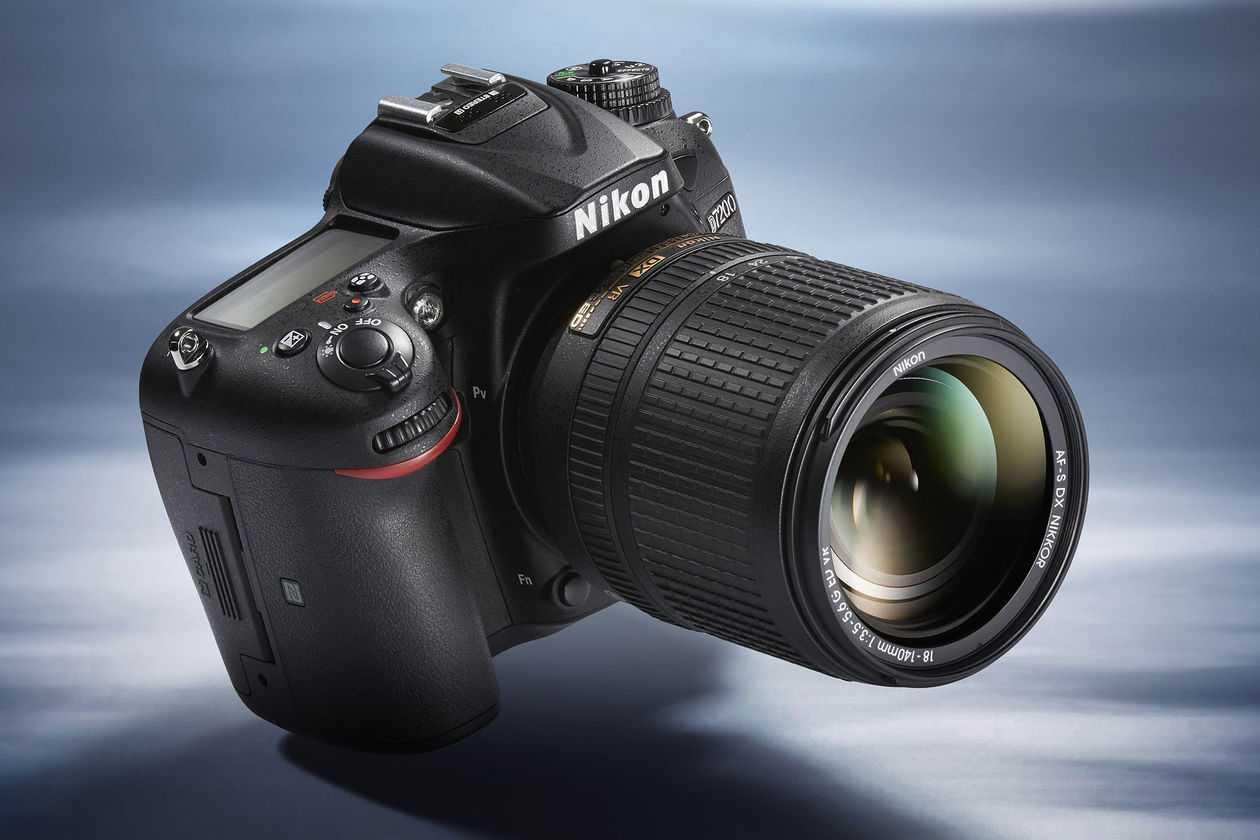 Прочитайте в статье информацию на счет выбора фотоаппарата который станет полезен вам на практике и не разочарует в будущем