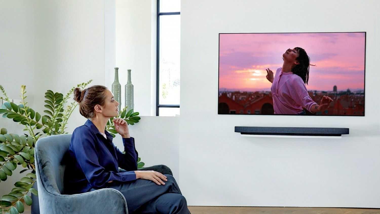 Samsung выпустила первый в мире полностью безрамочный тв огромным экраном microled