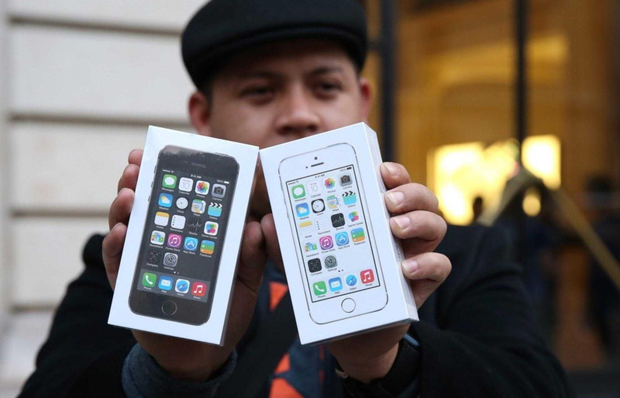 Мал, да опоздал: будет ли спрос на новые iphone 12 в россии   статьи   известия