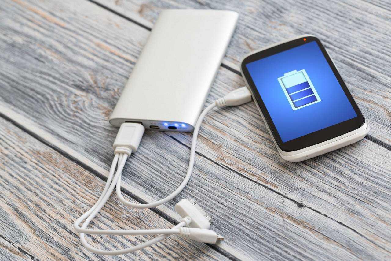Я выбирал быструю зарядку для смартфона и наконец-то понял, какая нужна