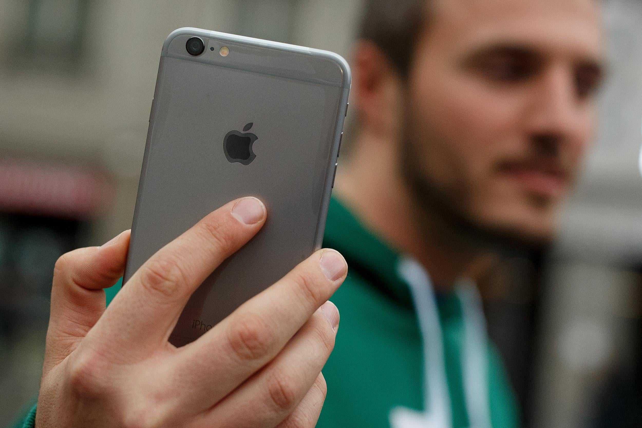В италии оштрафовали apple на 10 миллионов евро за ненастоящую защиту iphone от воды | appleinsider.ru
