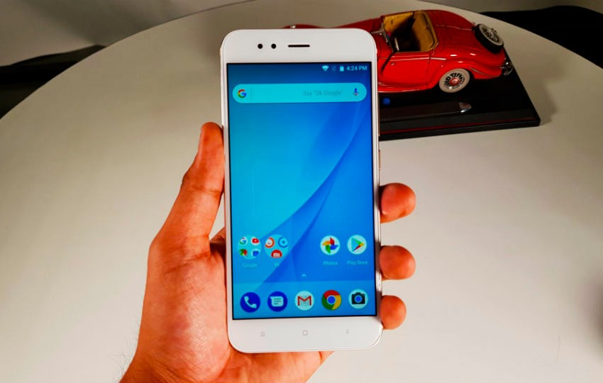 Относительно недавно появились сведения о возможностях нового смартфона Xiaomi Mi9T и вот уже китайский бренд запускает рекламу Конечно же в лучших традициях сатиры
