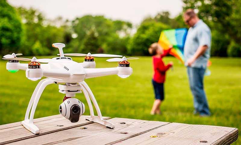 Top-10 дронов с большим радиусом действия и камерой