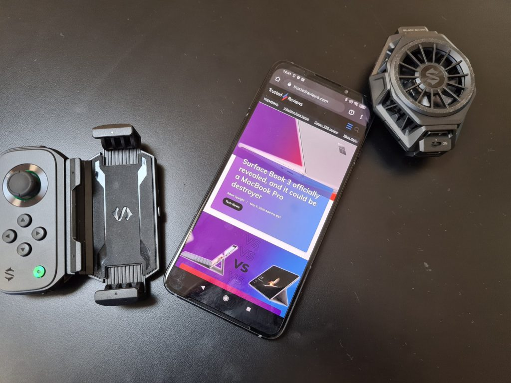 Xiaomi представила третье поколение игровых смартфонов black shark - cadelta.ru