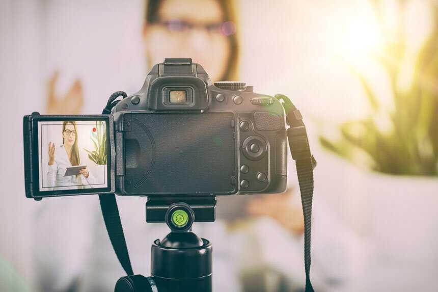 Для того чтобы правильно выбрать хорошую видеокамеру для съемок дома нужно разобраться во многих характеристиках Наша статья поможет подобрать оптимальные параметры