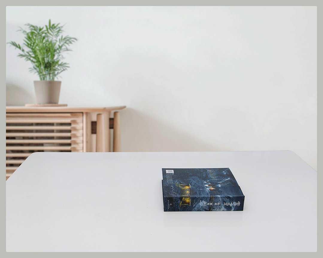 По всей видимости компания Xiaomi решила удивить поклонников своей продукции «минуткой творчества» На этот раз китайский производитель представил 3D-книгу посвященную