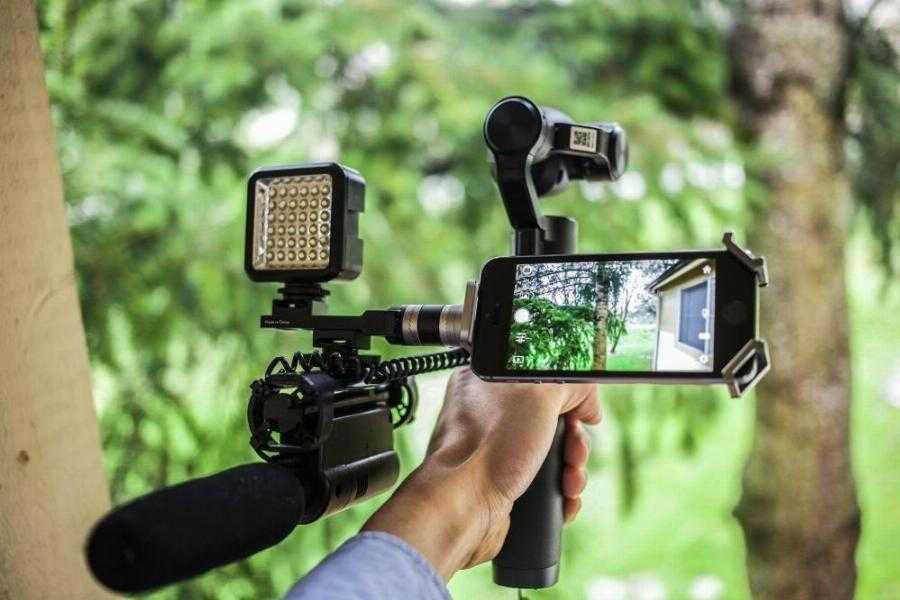 Как выбрать видеокамеру: 11 ключевых критериев, которые помогут определиться