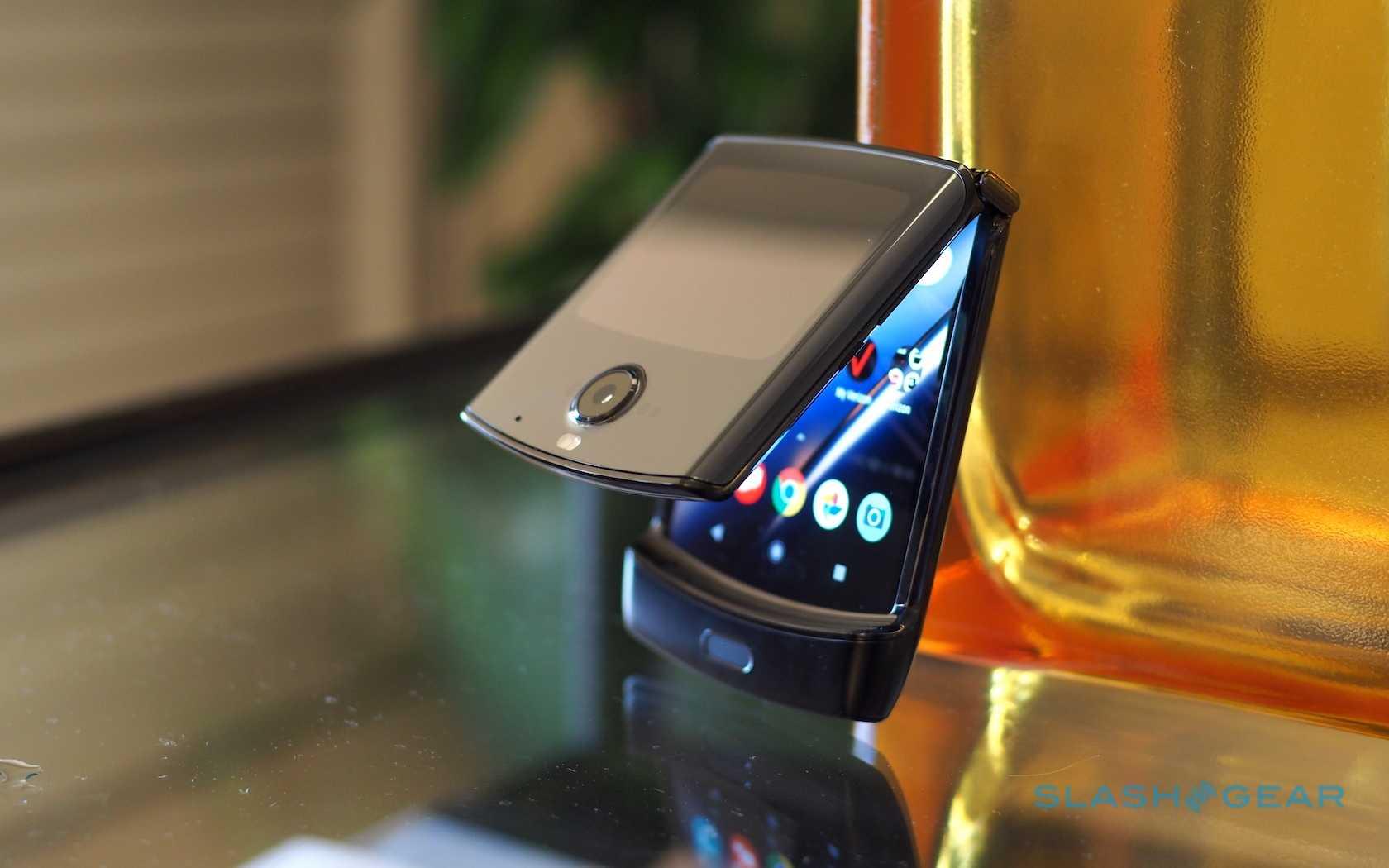 Складной смартфон здорового человека: motorola перевыпустила motorola razr
