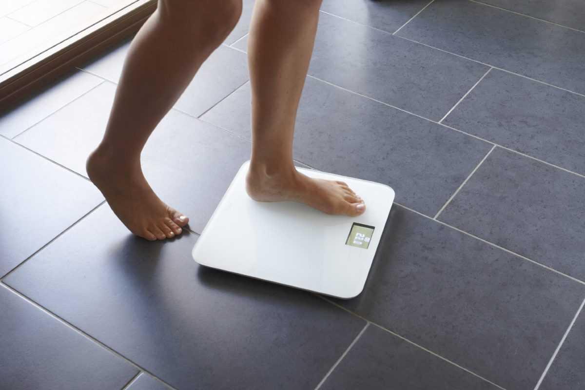 Напольные весы – прибор без которого многие люди следящие за своим здоровьем и красотой не могут представить свою жизнь По понятным причинам основным параметром