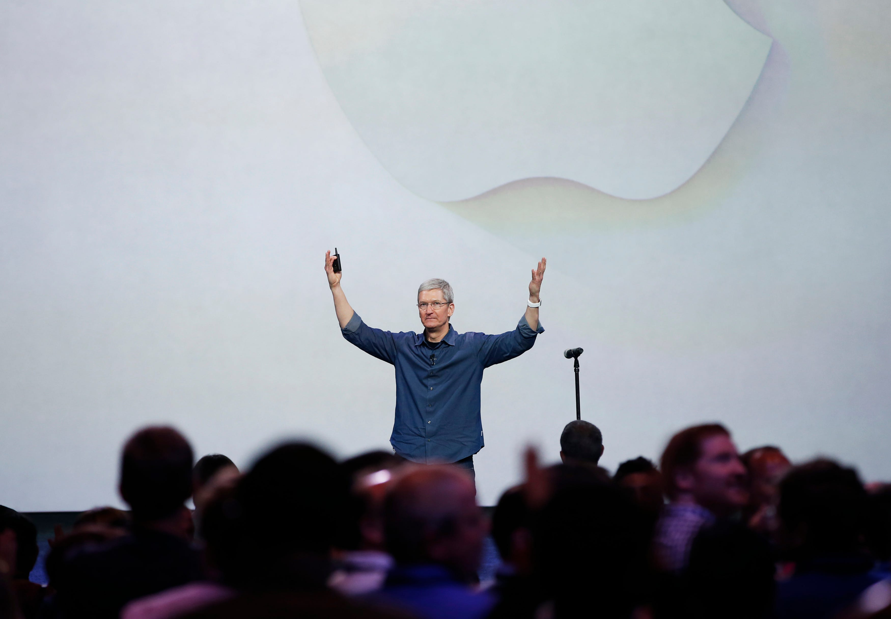 Известный журналист Марк Гурман работающий в издании Bloomberg поделился информацией на предмет того что компания Apple готовится к важному пресс-релизу Сообщается