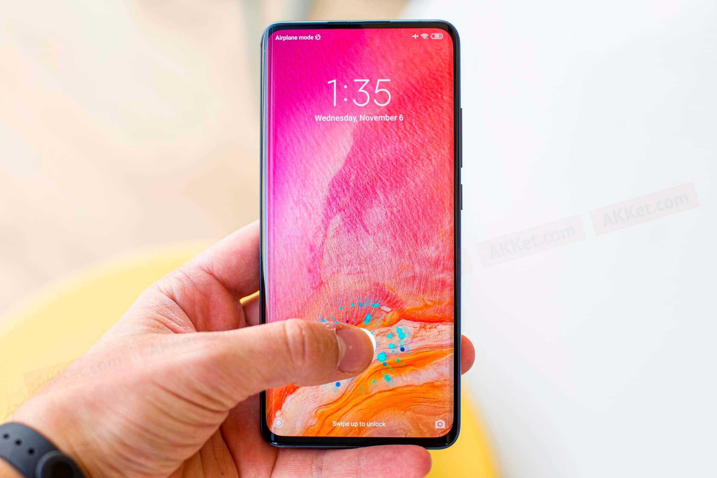 Xiaomi выпускает смартфон с квадрокамерой и огромной батареей за $100