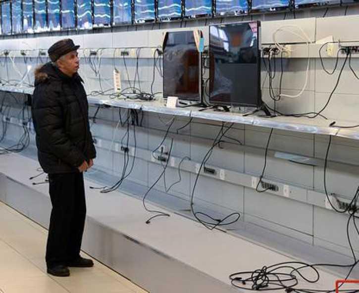 На российском рынке смартфонов жуткий обвал. и заодно сменился лидер - cnews