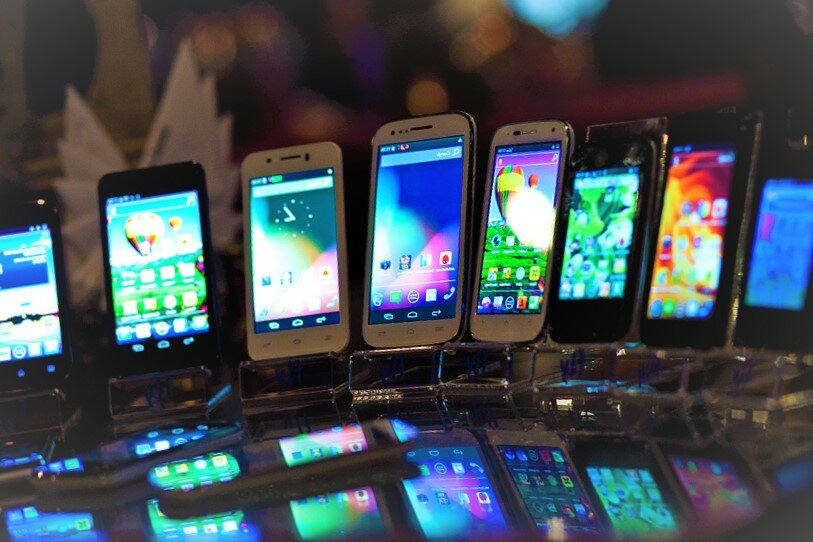 На мировом рынке смартфонов сокрушительный обвал. у покупателей нет денег - cnews