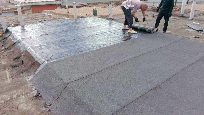 Какой материал выбрать для покрытия крыши гаража