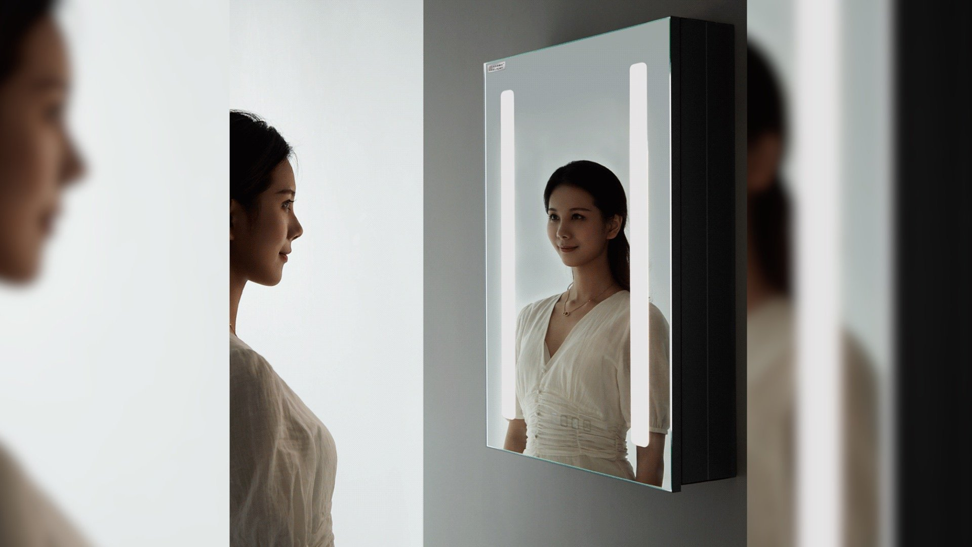 Компания Xiaomi продолжает радовать необычными товарами для экосистем умных домов На этот раз было представлено зеркало с LED-подсветкой подогревом и 252 светодиодами