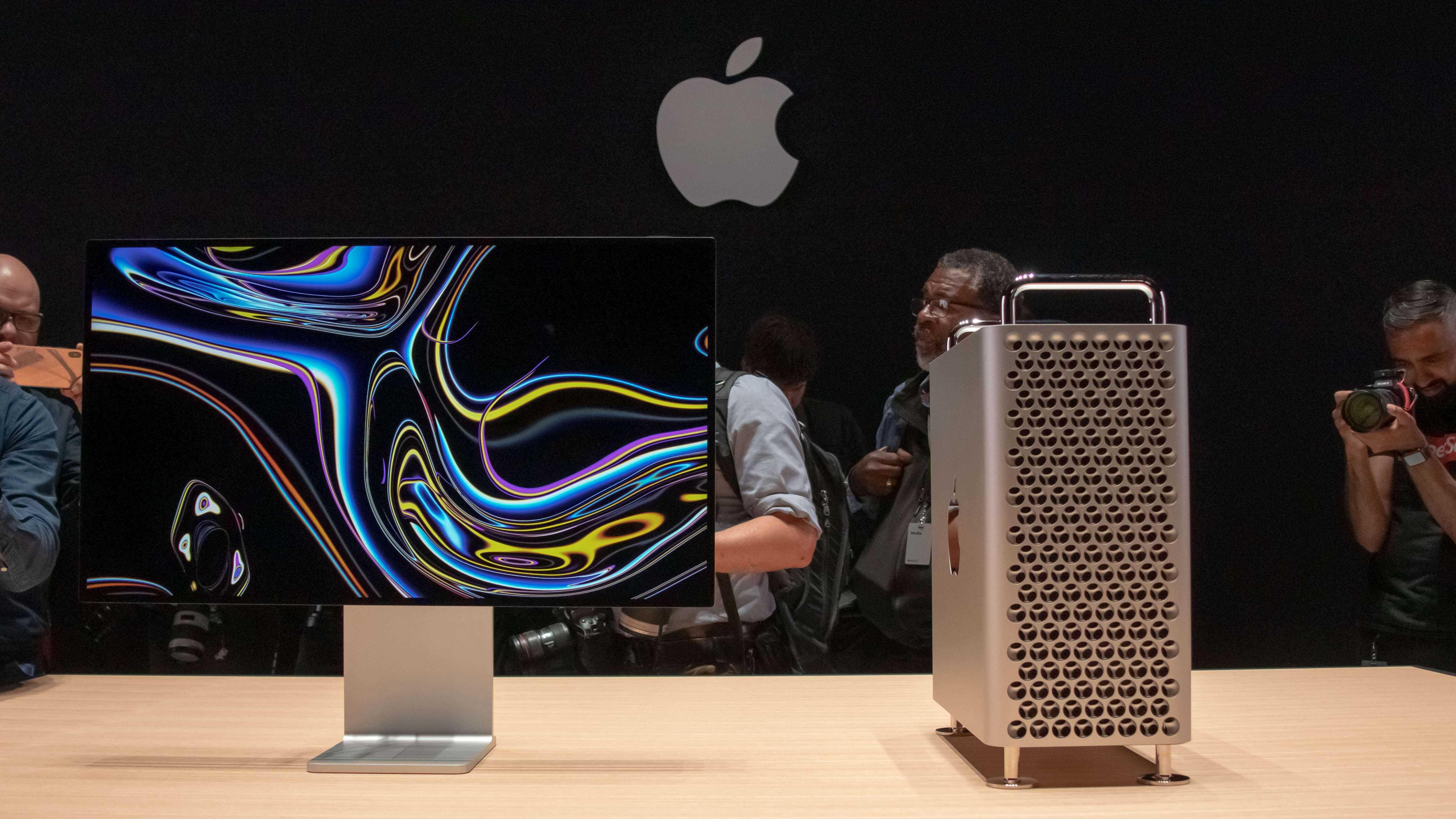 Не спешите в магазин: apple выпустит два macbook pro с новым дизайном в 2021 году   appleinsider.ru