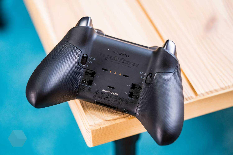 В рамках состоявшейся конференции электроники E32021 Microsoft указанная компания представила Xbox нового поколения а также модернизированную версию геймпада второго