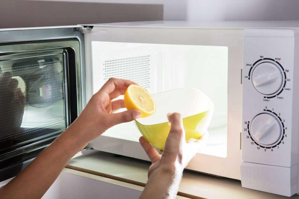 Можно ли мыть мультиварку под краном полностью?