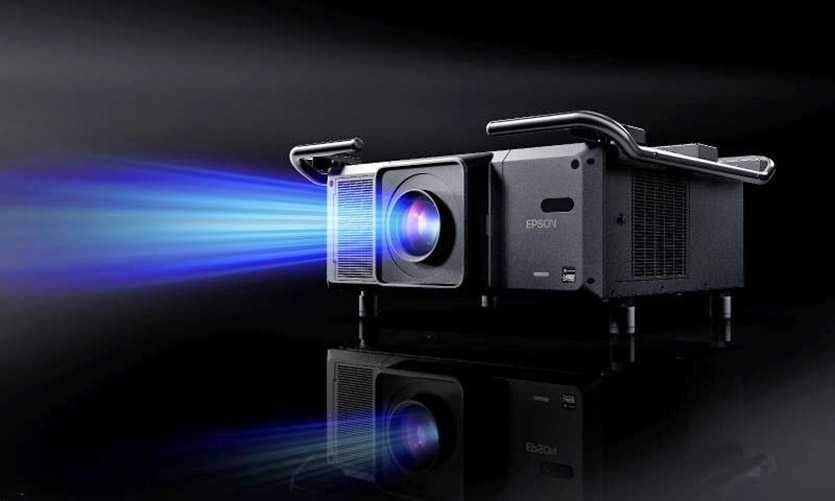 Из статьи вы сможете узнать информацию на счет покупки проектора который дополнит ваш домашний кинотеатра Вы узнаете какой вариант лучше