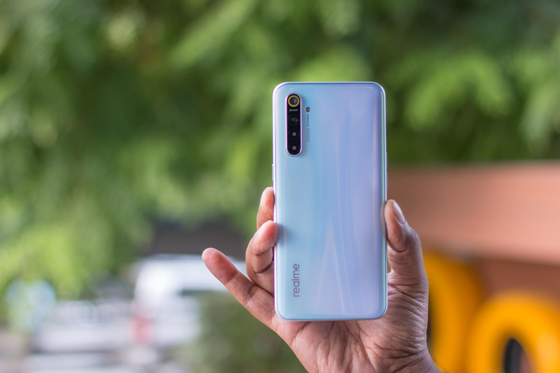 Китайская компания Realme уже начала тизерить достоинства первого смартфона флагманского уровня который получил название X2 Pro По предварительным данным премьера