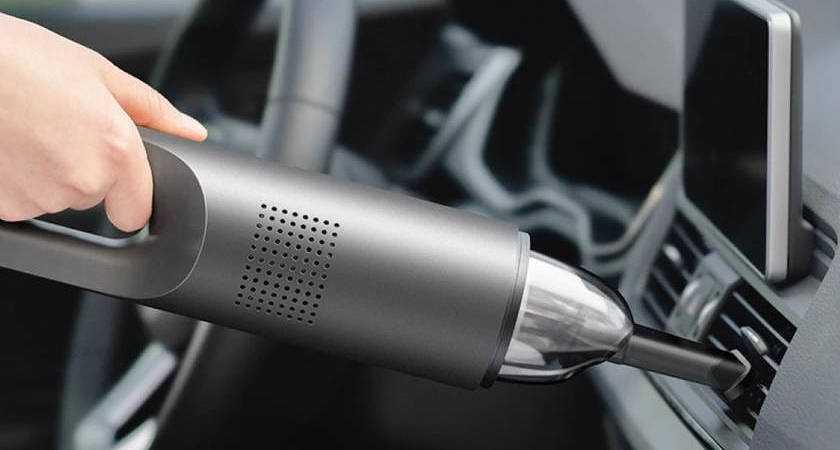 На Aliexpress стартовали продажи нового автомобильного пылесоса компании Xiaomi под названием 70mai Новинку продают за 100 долларов