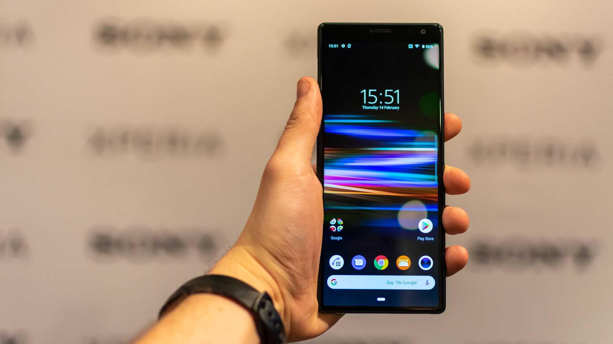 Обзор sony xperia 10 и xperia 10 plus: эти смартфоны сложно спутать с другими