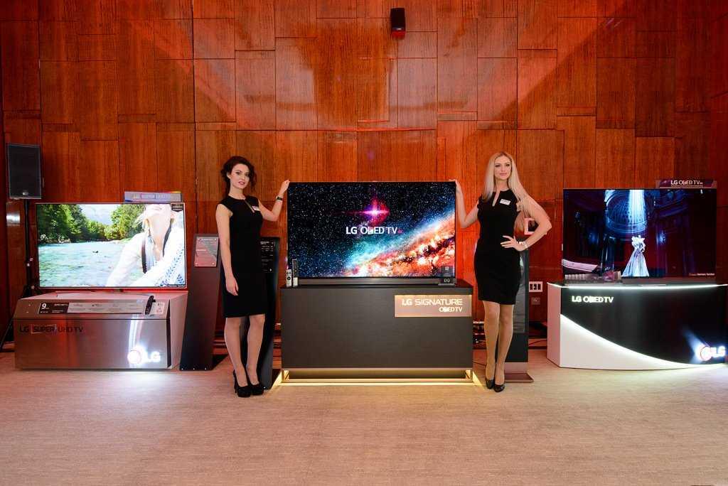 Samsung выпустила первый в мире полностью безрамочный тв огромным экраном microled - cnews