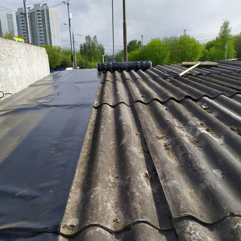 Как сделать и чем покрыть крышу гаража - монтаж односкатной своими руками, из профнастила в том числе, как застелить рубероидом, как сделать гидроизоляцию, как поднять, отремонтировать и защитить, инструкции с фото, чертежами и видео