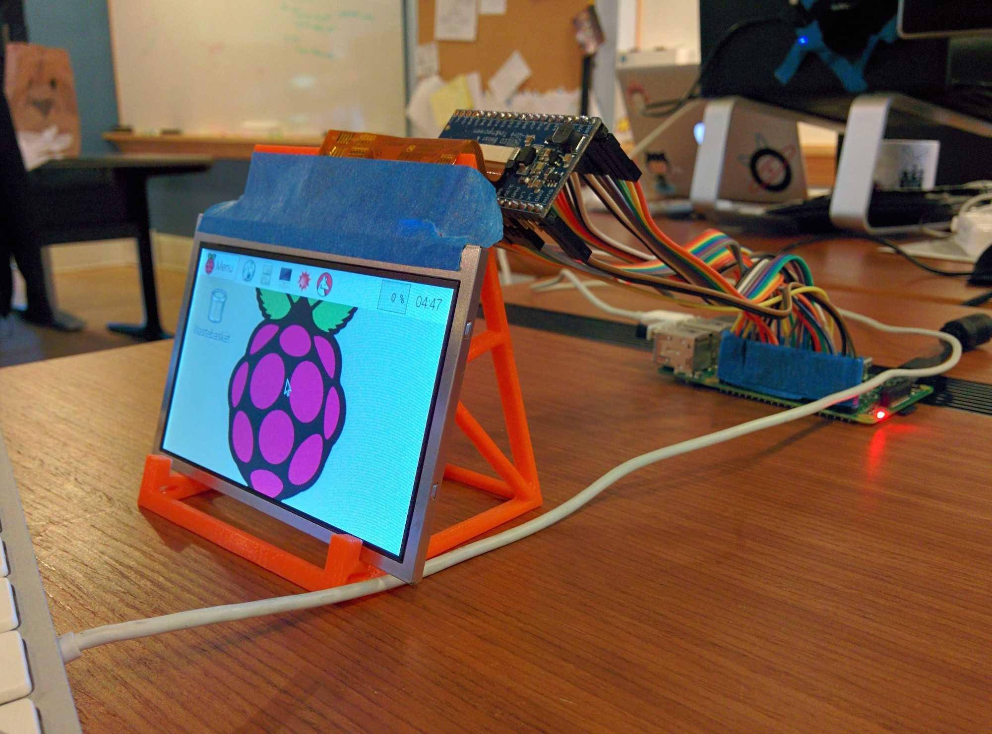 Raspberry выпустила полноценный пк внутри клавиатуры. видео - cnews