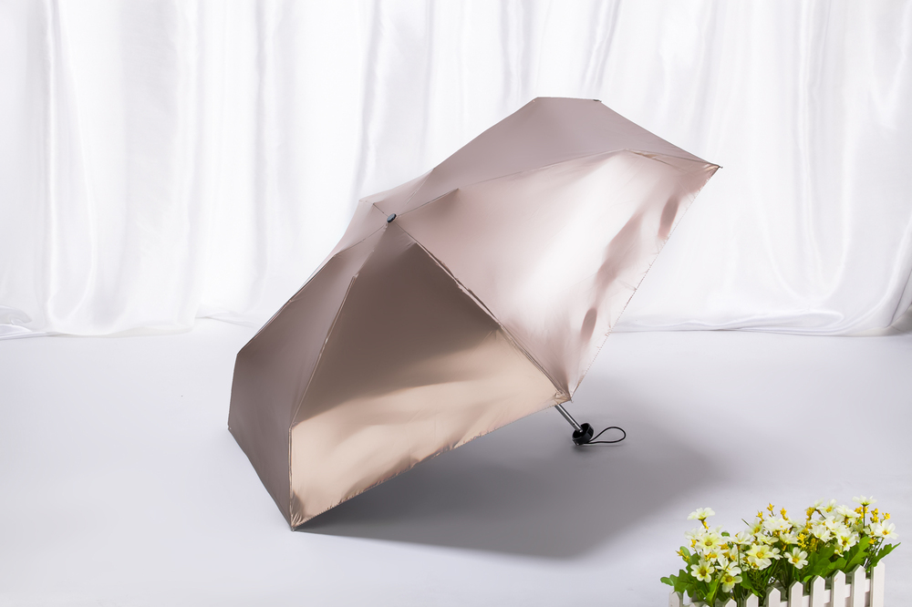 Как выбрать зонт: материал, спицы