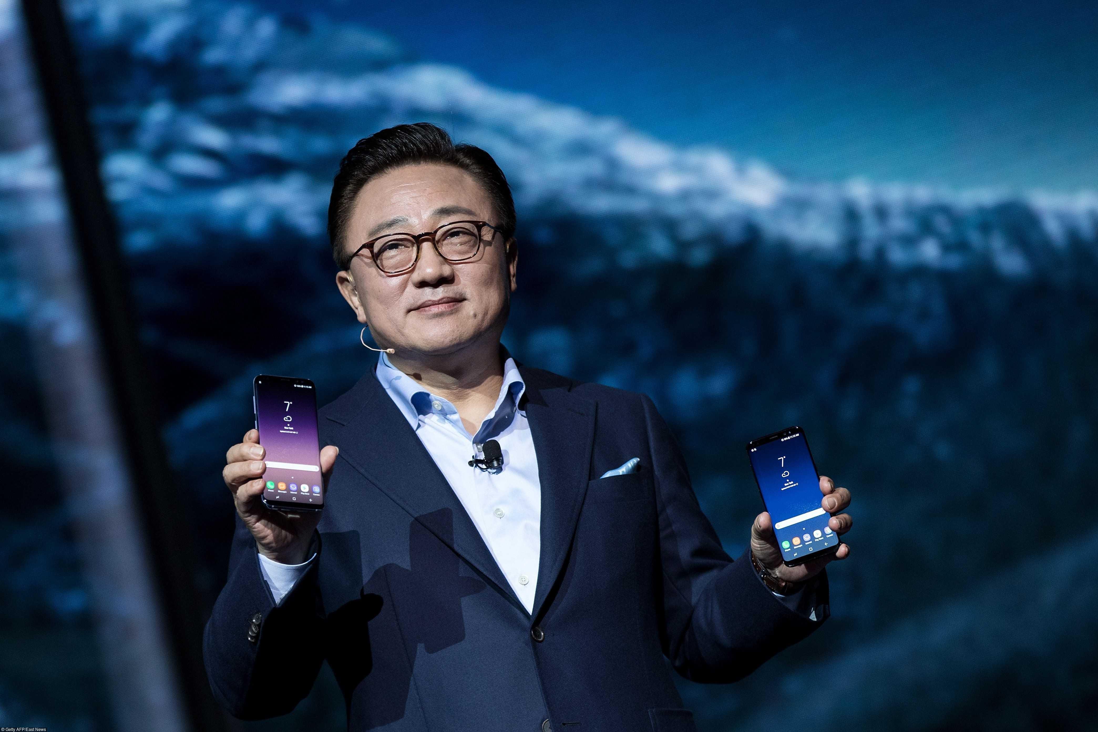 Мировые продажи смартфонов показали беспрецедентное падение - cnews