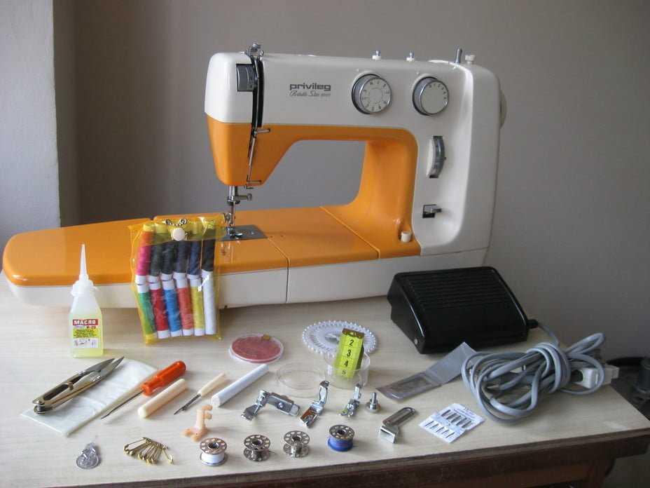 Как выбрать профессиональную швейную машину для дома