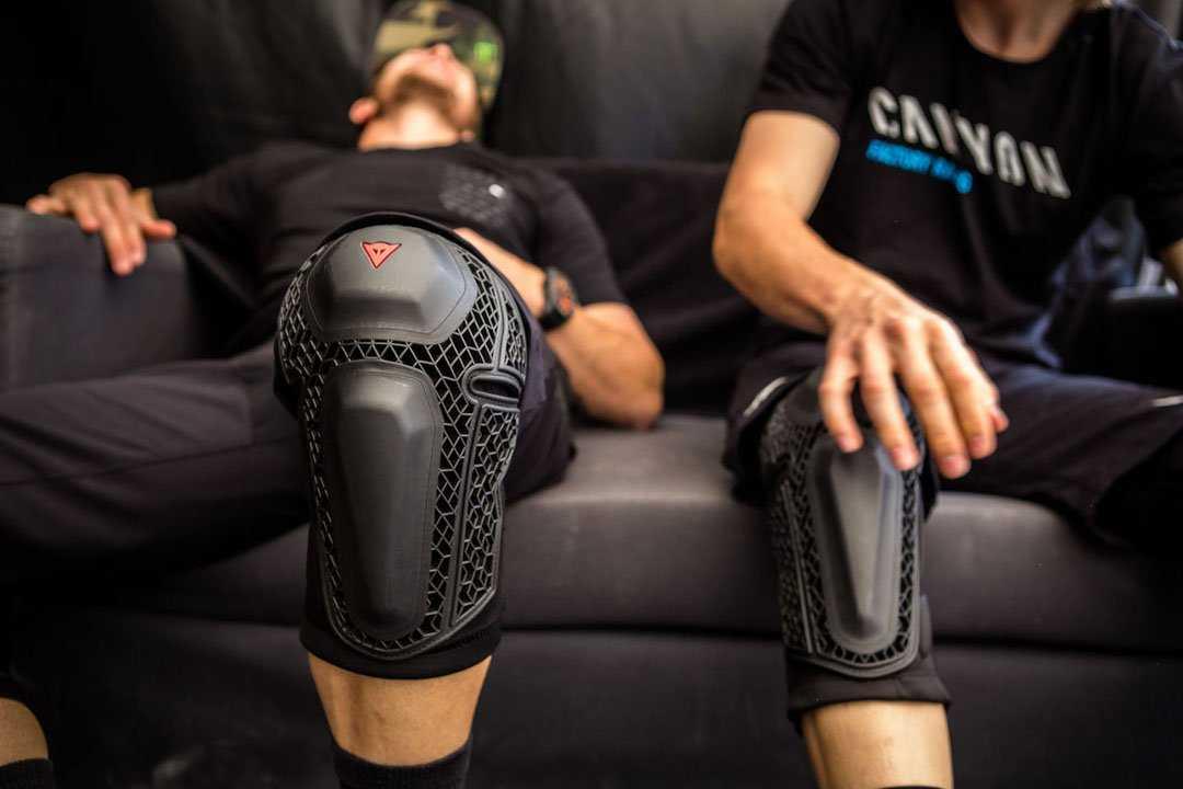 Как выбрать наколенник при артрозе коленного сустава + рейтинг лучших фирм