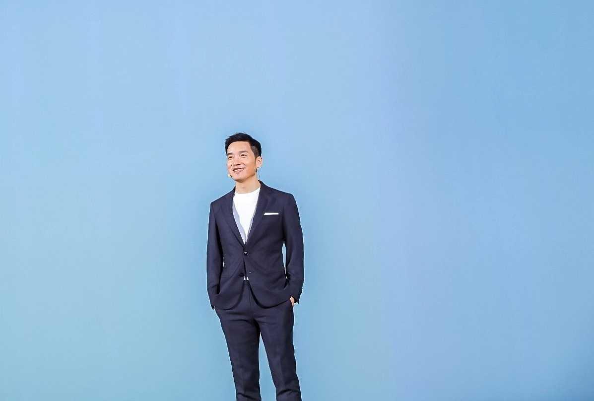 Xiaomi создала уникальный прозрачный телевизор. цена, видео