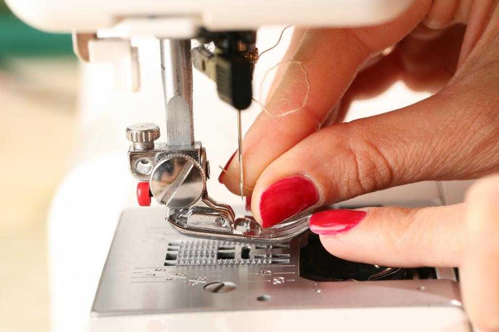 На что обратить внимание при покупке швейной машины