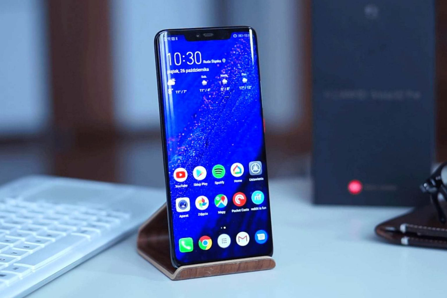 Huawei привезла в россию новый смартфон с сервисами google. как ей это удалось