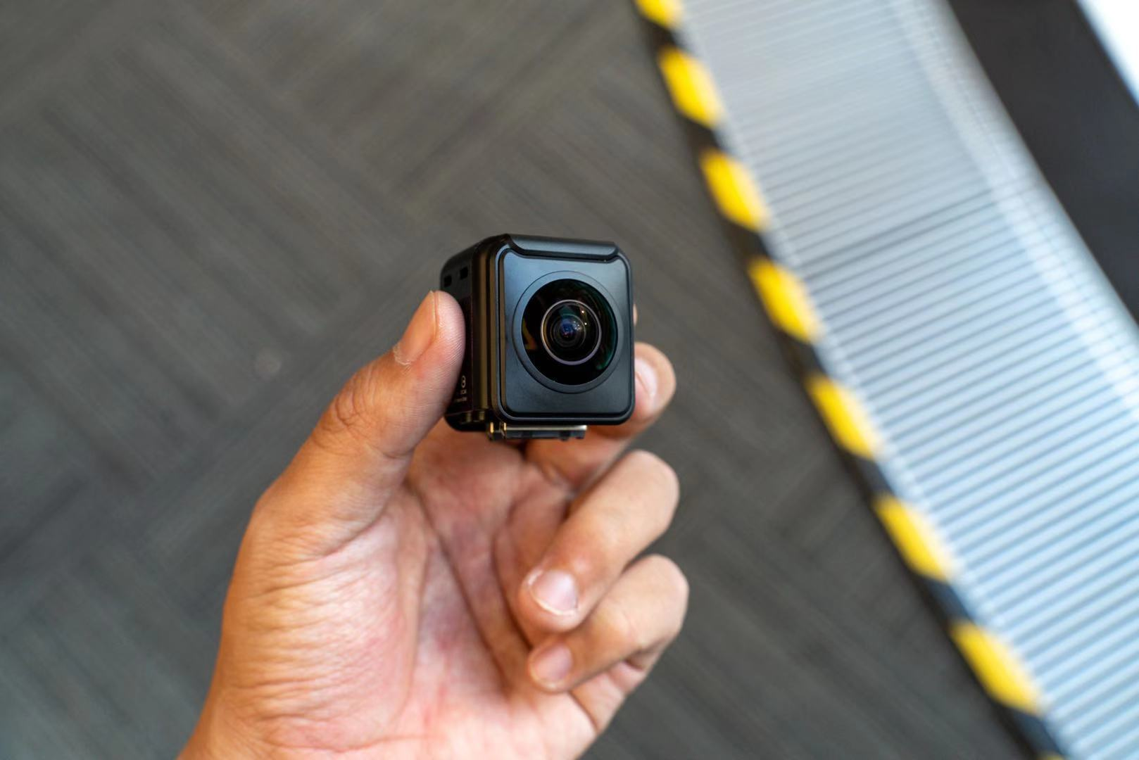 Один из топовых производителей панорамных камер Insta360 распространил информацию на предмет сотрудничества с создателем оптики Leica для создания новой экшн-камеры